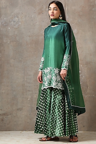 Emerald Green Embroidered Kurta Set by Rekha