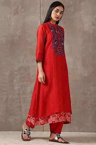 Red Embroidered Asymmetric Kurta Set by Rekha