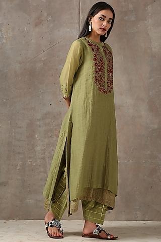 Mehendi Green Embroidered Asymmetric Kurta Set by Rekha