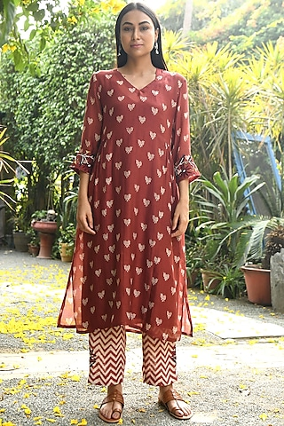 Rust Embroidered Kurta With Pants & Lining by Rekha
