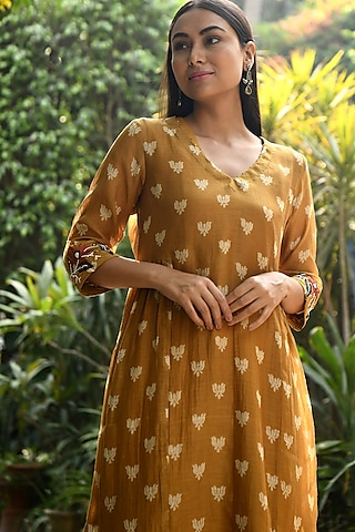 Mustard Embroidered Kurta With Pants & Lining by Rekha