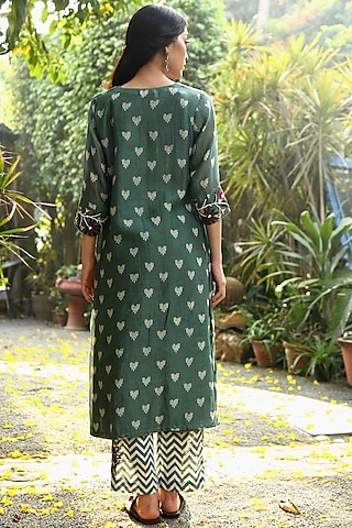 Ocean Blue Embroidered Kurta With Pants & Lining by Rekha