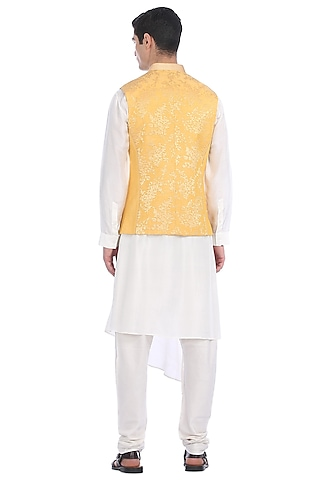 White Kurta Set With Panelled Waist Jacket by Rohit Gandhi & Rahul Khanna Men