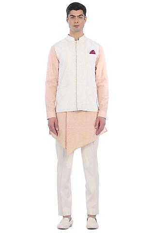 Peach Kurta Set With White Waist Jacket by Rohit Gandhi & Rahul Khanna Men