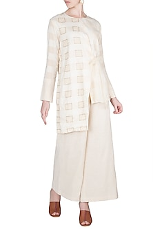 Ivory Embroidered Asymmetric Kurta by A-Sha By Rishi & Vibhuti