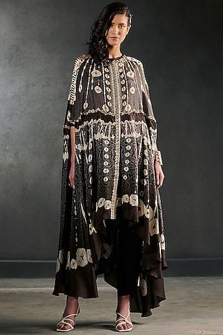 Black Embroidered Cape Set by Rajdeep Ranawat