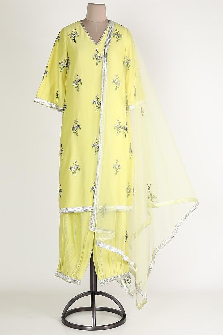 Yellow Gota Embroidered Kurta Set by Rajat tangri