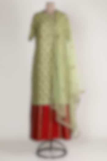 Green & Red Embroidered Kurta Set by Rajat tangri