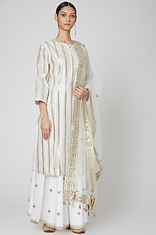 White Embroidered Kurta Set by Rajat tangri