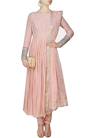 Nude pink vintage anarkali with badala mokaish dupatta by RAJH By Bani & Sheena