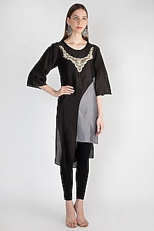 Black Embroidered Tunic With Inner Slip by Rocky Star