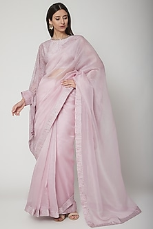 Lilac Printed Saree Set With Embroidered Belt by Ridhi Mehra