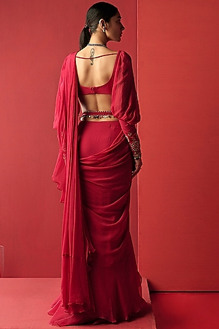 Deep Fuchsia Pre-Draped Saree Set by Ridhi Mehra