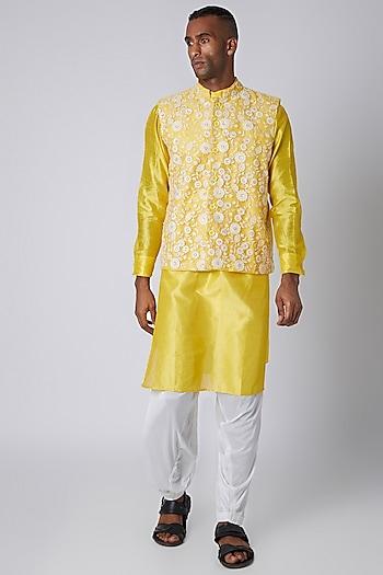 Yellow Kurta With Embroidered Bundi Jacket by Rishi & Vibhuti Men