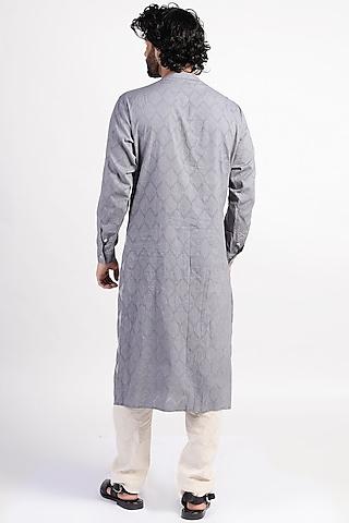 Grey Embroidered Kurta With Scarf by Rishi & Vibhuti Men