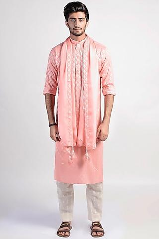 Peach Chanderi Kurta With Scarf by Rishi & Vibhuti Men