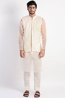 Ivory Embroidered Jacket Set by Rishi & Vibhuti Men