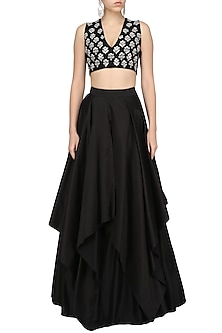 Black Embroidered Crop Top and Skirt Set by Ridhi Mehra