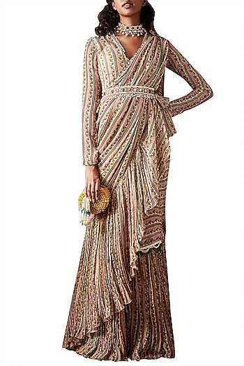Beige Saree Set With Embellished Belt by Ridhi Mehra