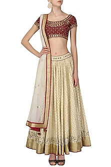 Maroon And White Mirror Work Lehenga Set by Ruhmahsa