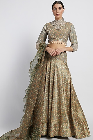 Gold Sheeting Lehenga Set With Butti Work by Rabani & Rakha