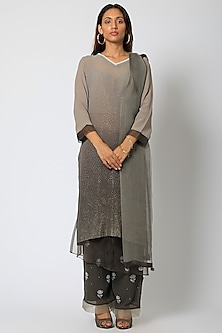 Grey & Black Embroidered Kurta Set by Romaa