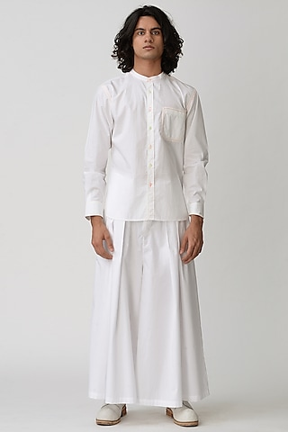 White Shirt With Thread Detailing by Rajesh Pratap Singh Men