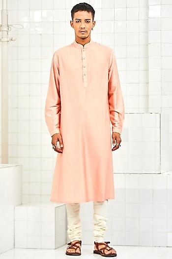 Peach Pintuck Kurta With Thread Work by Rajesh Pratap Singh Men