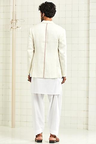 White Lapel Jacket With Patch Pocket by Rajesh Pratap Singh Men