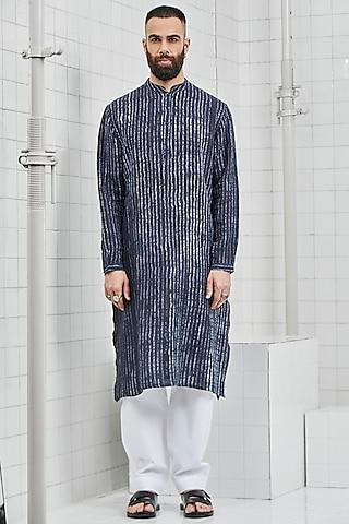Navy Blue Shibori Linen Kurta Set by Rajesh Pratap Singh Men