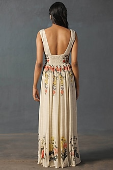 Off White Embroidered Dress With Stole by Ri Ritu Kumar
