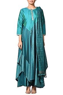 Turquoise & Jade Green Embroidered Kurta Set by Ri Ritu Kumar