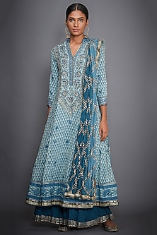 Turquoise & Off White Kurta Set by Ri Ritu Kumar