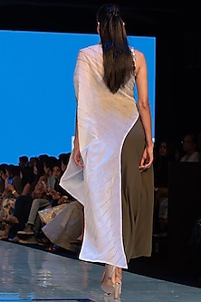 White Embroidered Cape Tunic With Pants by Rajni Suyach