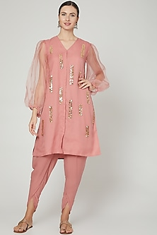 Pink Embroidered Kurta With Pants by Ria Shah Label