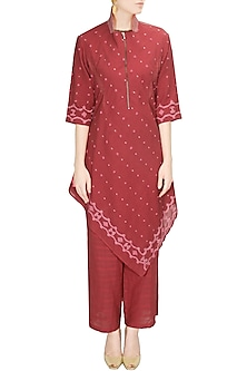 Coral handwoven jamdani kurta set with palazzo pants by Rahul Mishra