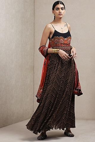 Black & Red Floral Printed Kurta With Dupatta by Ritu Kumar