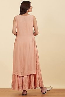 Rose Pink Sleeveless Kurta Set by Ritu Kumar