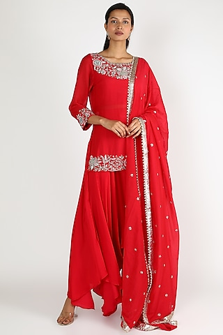 Red Embroidered Kurta Set by Mrunalini Rao