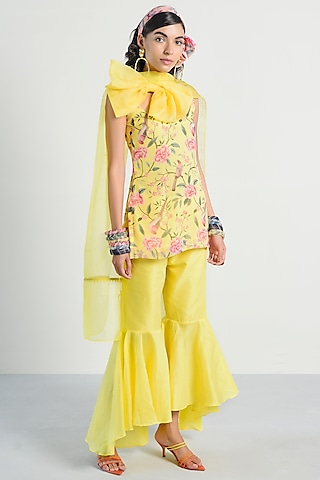 Yellow Printed Kurta With Pants by Rishi & Vibhuti Pret
