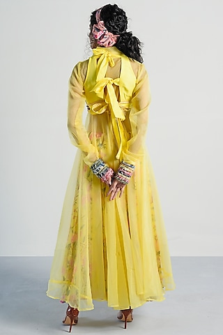 Yellow Embroidered Gharara Set by Rishi & Vibhuti Pret