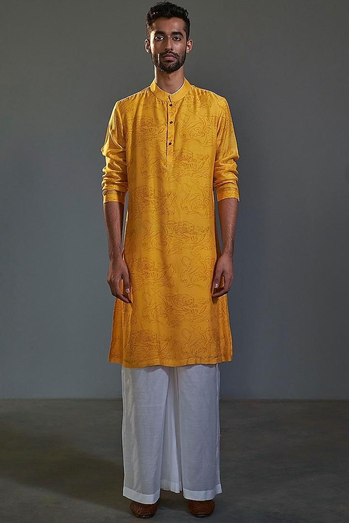 Yellow Printed Handcrafted Kurta by Saksham and Neharicka Men