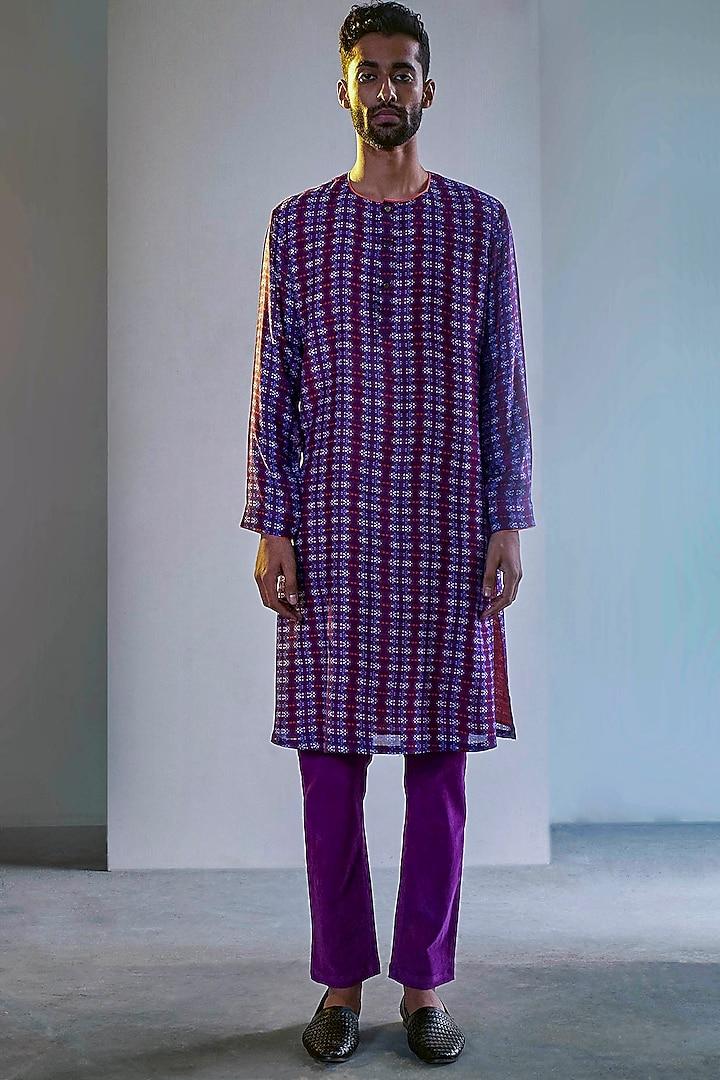 Purple Printed Handcrafted Kurta by Saksham and Neharicka Men