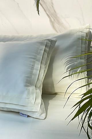 Ivory Cotton Bedsheet Set by SADYASKA