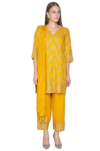 Mustard Yellow Hand Embroidered Kurta Set by Samatvam By Anjali Bhaskar