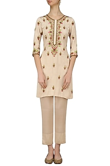 Cream and Gold Thread Embroidered Kurta and Pants Set by Samatvam By Anjali Bhaskar