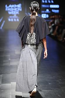 Black Textured Bat Sleeves Top by Sayantan Sarkar
