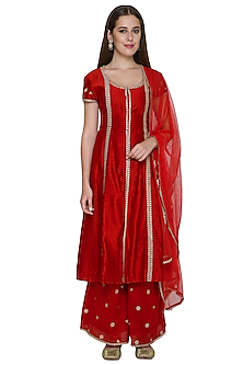 Deep Red Embroidered Kurta Set by Surendri by Yogesh Chaudhary