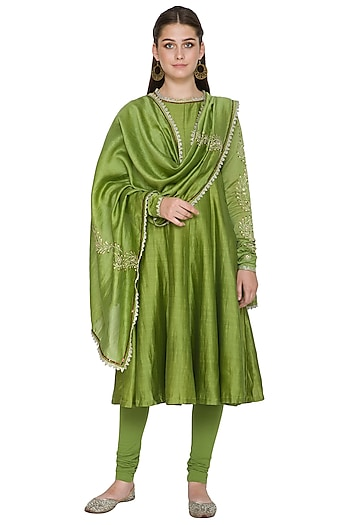 Olive Green Embroidered Chanderi Kurta Set by Surendri by Yogesh Chaudhary