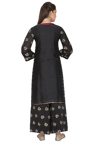 Black Embroidered Chanderi Kurta Set by Surendri by Yogesh Chaudhary
